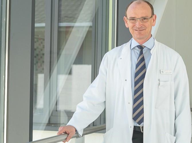 Direktor der Uniklinik Bonn Med III - Peter Brossart