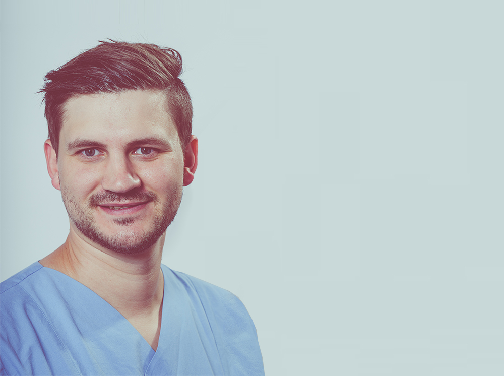 Portrait Assistenzarzt Dr. Sebastian Schlaweck